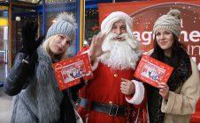Djed Mraz na Autobusnom kolodvoru u Zagrebu